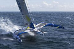The trimaran Macif sets a new reference time at Cape Leeuwin