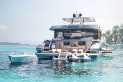 Oasis 80, a support catamaran