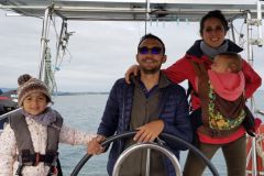Heading for us, a sailboat trip to refocus on the family